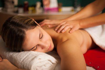 Relaxation du dos : détente assurée Ô bien-être massage Porspoder / Brest / Finistère
